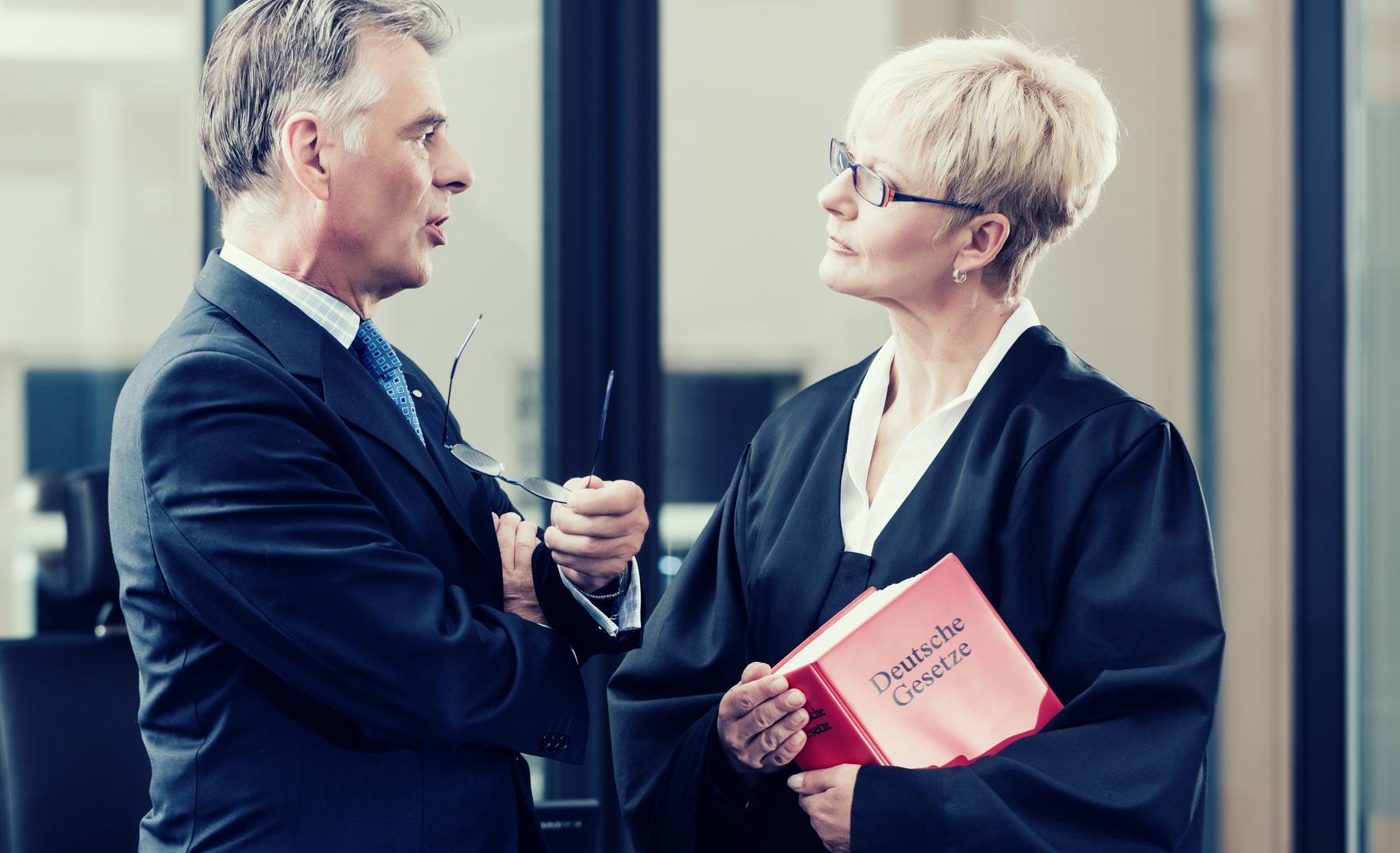 Klauseln zur Geschäftsführung
