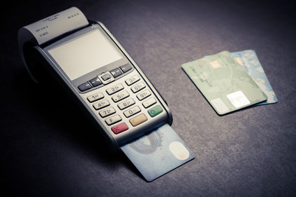 Kartenzahlung mit Kartenlesegerät-Terminal